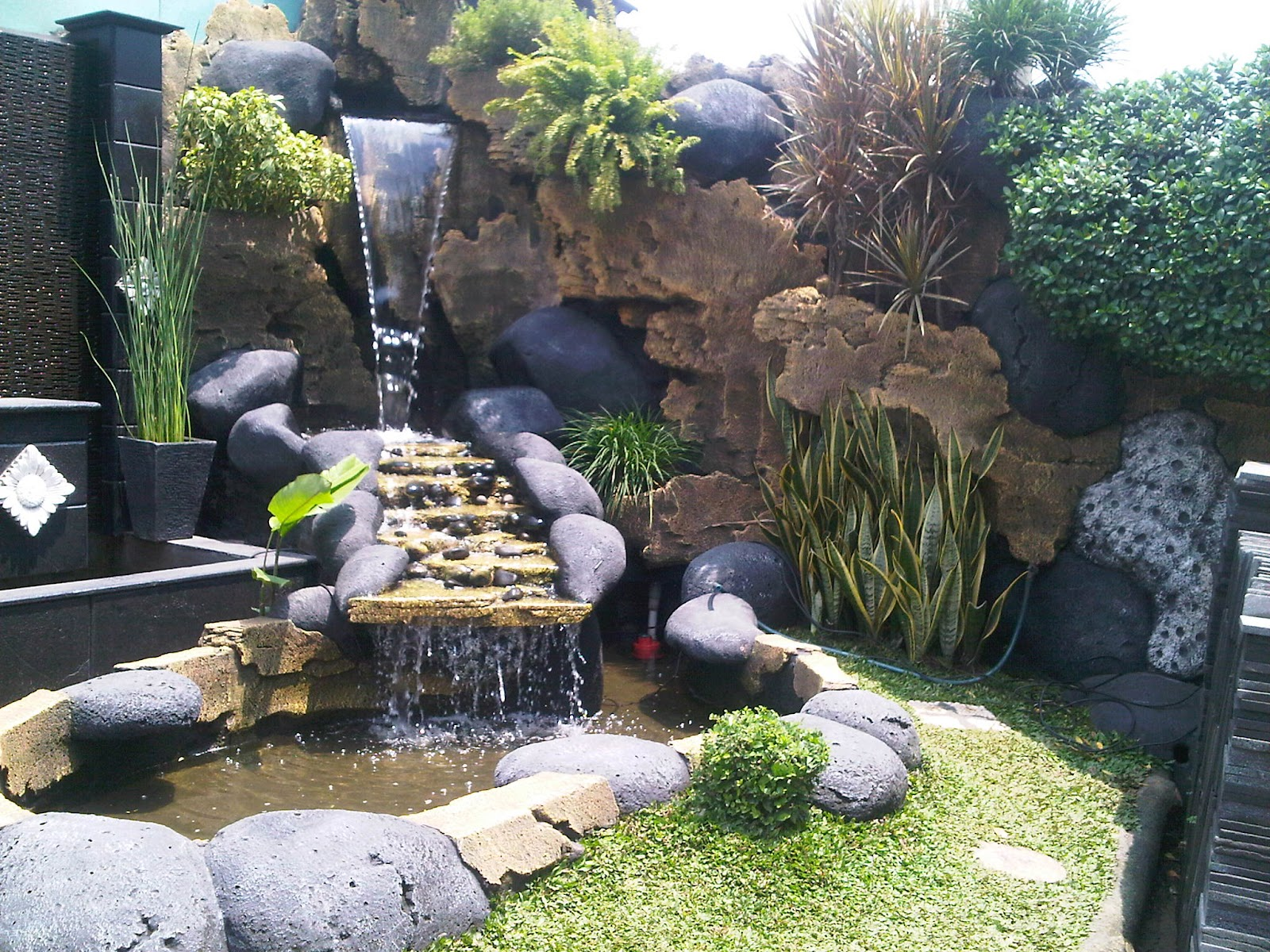 Jasa pembuatan kolam dan gazebo berpengalaman