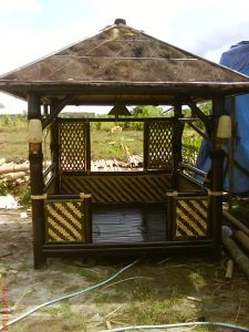 jasa pembuatan saung bambu jabodetabek